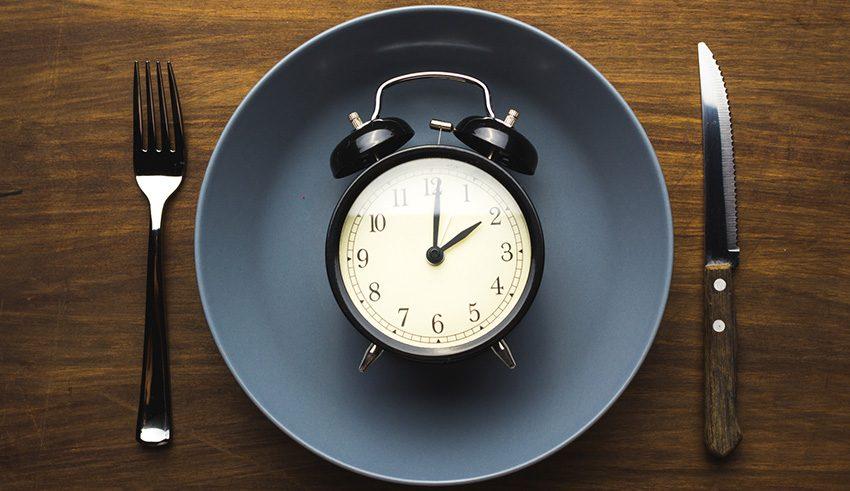8 научно полезных особенностей голодания по 12 часов в день