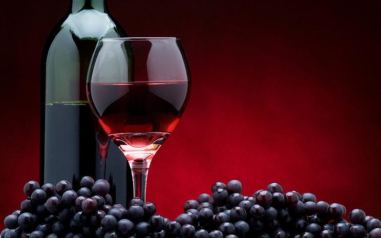 10 преимуществ красного вина для гладкой и шелковистой кожи