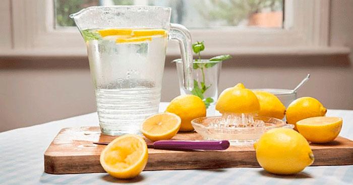 water with lemon peel