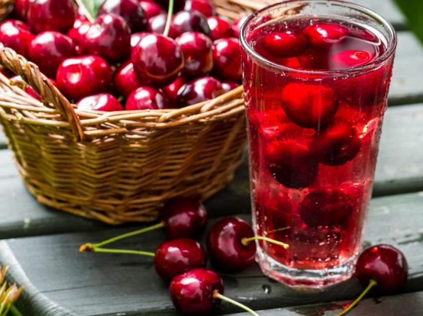 10 проверенных преимуществ вишневого сока для лечения бессонницы
