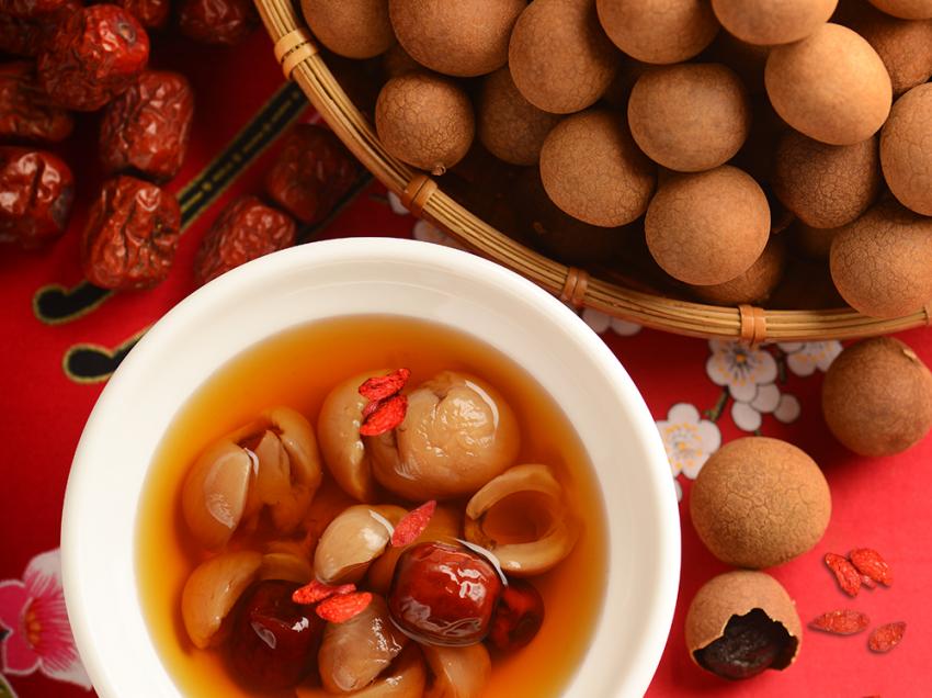 Проверьте 9 преимуществ чая Longan and Red Date во время менструации