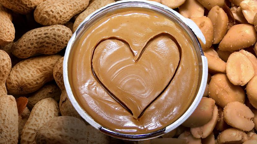 10 преимуществ арахисового масла для наращивания мышечной массы