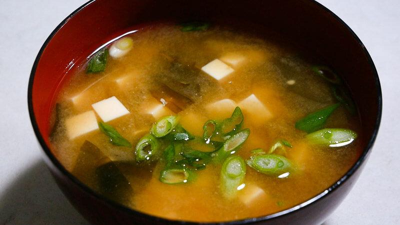 Проверьте замечательные преимущества супа мисо с тофу здесь!