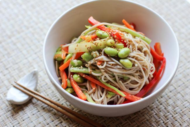 cabbage salad with ramend and sesame