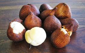 skin of snake fruit