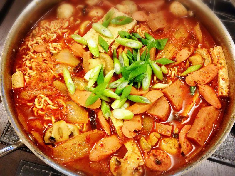 Польза для здоровья Budae Jjigae – Здоровая корейская еда