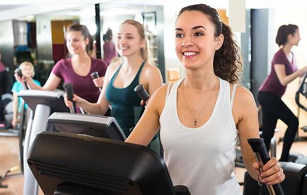 women joining gym